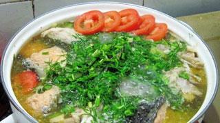 Nóng hổi ngọt thơm món canh cá nấu thì là